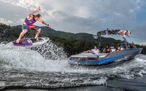 Bateaux Axis Wake Research